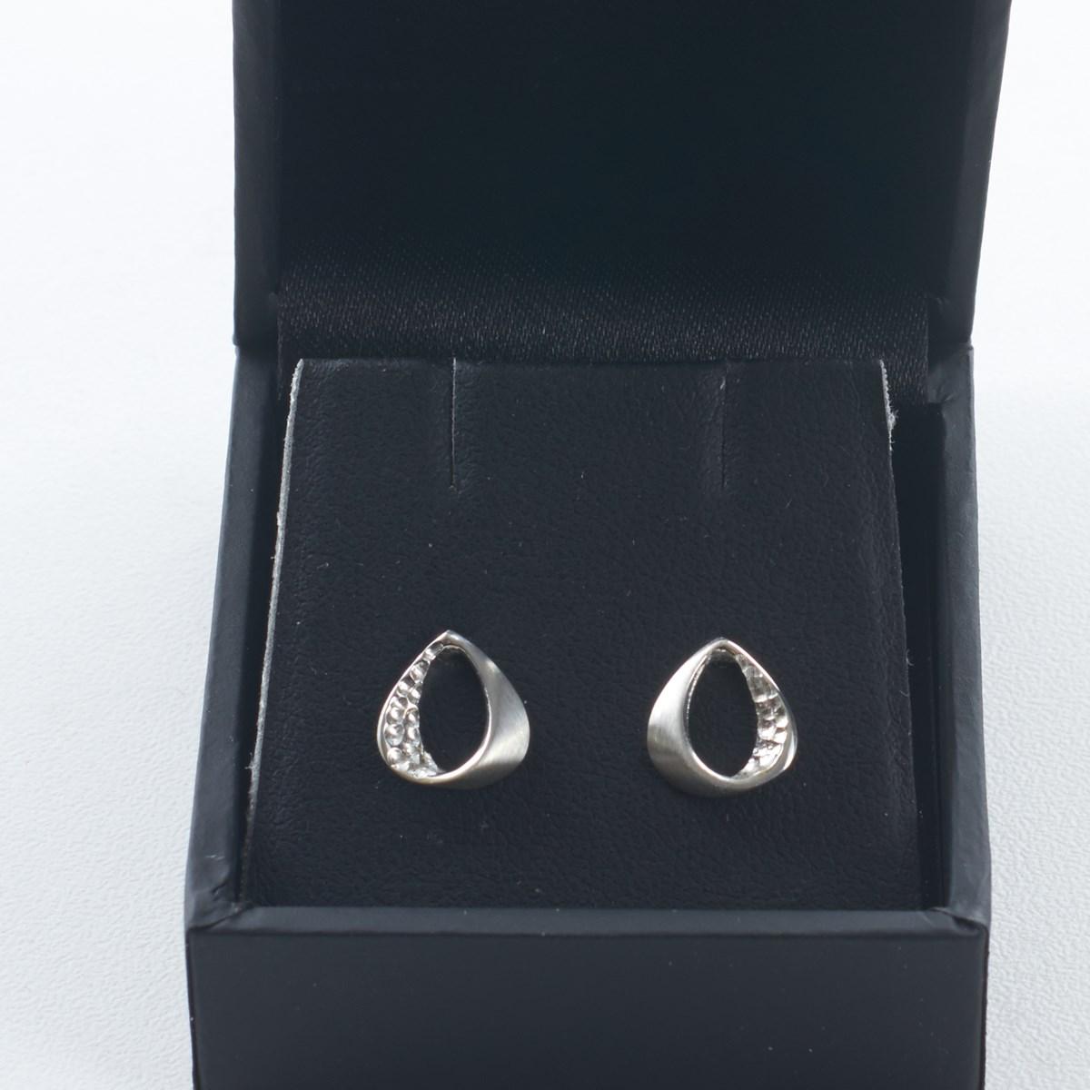 859dbe02e 18170057_sterling_silver_earings_twirl_3271_3296 ·  18170057_sterling_silver_earings_twirl_3272_3297. Previous; Next. Sterling  Silver Trendy Twirls Earrings ...